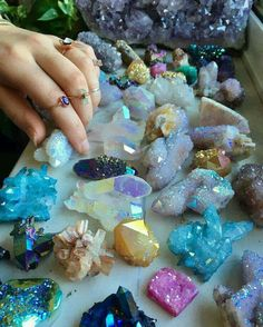 Healing Journeys and Sacred Services. A space for healing, growth, creative expression, exploring emotional. Crystal Magic, Crystal Healing, Quartz Crystal, Crystal Guide, Druzy Quartz, Crystal Cluster, Crystal Flower, Crystal Ball, Rose Quartz