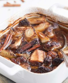 Kanelinen lihapata, resepti – Ruoka.fi Beef Recipes, Stew, Casserole, Slow Cooker, Pork, Food And Drink, Meat, Cooking