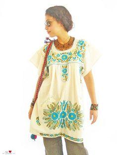 Vestido de flores turquesas Mexicano   por CORAZONCITO TIRANO