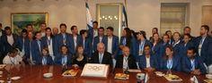 Bibi e os atletas que virão para as Olimpiadas do Rio de Janeiro.