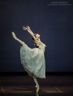 "© Carlos Quezada / Bayerisches Staatsballett Lucía Lacarra as ""Marguerite Gautier"", ""The Lady of the Camellias Die Kameliendame"" choreography by John Neumeier, Bayerisches Staatsballett Bavarian State Ballet"