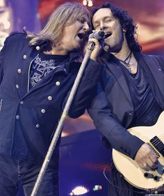 Joe Elliot and Vivian Campbell by groovescapes