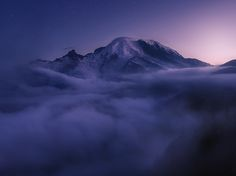 Picture of Mount Rainier in low clouds, Washington State