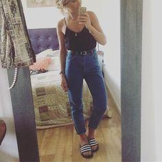 Mum #ootd #outfit #look #lookoftheday #dailyoutfit #dailylook #jean #mum…