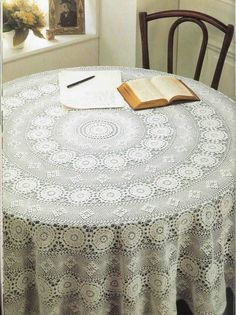 "Photo from album """"Decorative crochet"" on Yandex. Filet Crochet, Crochet Mandala, Crochet Round, Crochet Home, Thread Crochet, Crochet Table Topper, Crochet Tablecloth Pattern, Crochet Table Runner, Crochet Patterns"