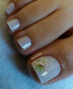 ideias de unhas decoradas dos pés hair and nails pintere French Pedicure, Pedicure Nail Art, Toe Nail Art, Pedicure Designs, Toe Nail Designs, Hot Nails, Hair And Nails, Unicorn Nail Art, Flower Nail Art