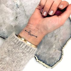 33 Cool Small Wrist Tattoos For Guys – Wrist Designs Wrist Tattoos For Women, Small Wrist Tattoos, Tattoos For Women Small, Foot Tattoos, Sleeve Tattoos, Love Wrist Tattoo, Small Love Tattoos, Tattoo Small, Be Free Tattoo