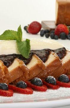Wish Farms - Recipes - Fruit Wine Sabayon Pound Cake @wishfarms @freshfromfl #wishfarms #freshfromfl