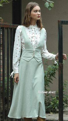 1950s Fashion, Modern Fashion, Vintage Fashion, English Cottage Style, Vintage 1950s Dresses, Feminine Style, Dress Up, Cold Shoulder Dress, Clothes