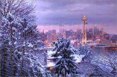Schlaflose Nächte in Seattle? Kann gut möglich sein. Denn die City im Bundestaat Washington in der Nähe der kanadischen Grenze hat sehr viel zu bieten.  Zum träumen lädt die schöne Stadt trotzdem ein, zum Beispiel als Fotoposter.