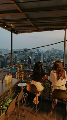 Aesthetic Korea, City Aesthetic, Travel Aesthetic, South Korea Seoul, South Korea Travel, Korea Cafe, Seoul Cafe, South Korea Photography, Korea Wallpaper
