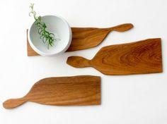 teak cutting boards by Shogo Tamura ceramic by Caroline Gomez Kitchen Board, Bread Board, Food Art, Wood Crafts, Teak, Eye Candy, Sweet Home, Objects, Carving