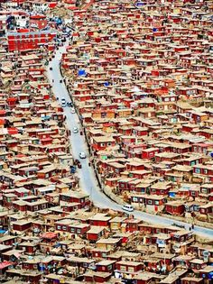 Sertar Larung Gar, in Tibet Nepal, Places To Travel, Places To See, Places Around The World, Around The Worlds, Beautiful World, Beautiful Places, Magic Places, China Travel