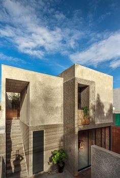 Image 25 of 25 from gallery of Casa Estudio / Intersticial Arquitectura. Photograph by Intersticial Arquitectura Modern Small House Design, Modern Bungalow House, Industrial House, Home Additions, Types Of Houses, Interior Architecture, Mexico City, Acting, 1980s