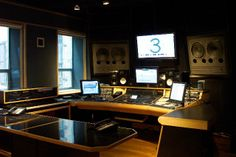 Recording Studio Furniture Gallery: Custom Mixing Desks by Sound Construction and Supply Inc.
