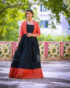 Stylish Ethnic Long Suits That Are Going To Trend Next Year Too Traditional ethnic long suits Silk Kurti Designs, Kurti Designs Party Wear, Saree Blouse Designs, Long Gown Dress, Saree Dress, Long Frock, Long Gowns, Sari Blouse, Sleeves Designs For Dresses