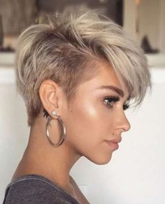 Chic Pixie Hairstyles 2019 for Ladies Blonde Pixie Hairstyles Short Pixie Haircuts, Short Hairstyles For Women, Hairstyle Short, Edgy Pixie Hairstyles, Short Hair Older Women, Haircut Short, Neck Length Hairstyles, Short Bridal Hairstyles, Blonde Short Hair Pixie