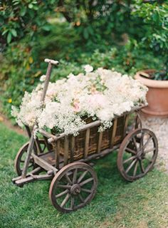 30 Rustic Country Wedding Ideas with Wagon Wheel Details is part of Small outdoor wedding - [tps header] It might sound odd but wagon wheels can make beautiful decorations for lots of wedding party There are many interesting and unexpected ways of Farm Wedding, Chic Wedding, Wedding Tips, Garden Wedding, Wedding Details, Rustic Wedding, Once Wed, Deco Floral, Garden Art