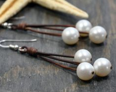 Items similar to Leather and Pearls Bracelet Castaway on Etsy