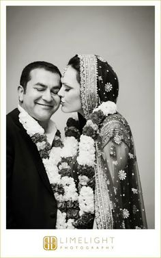 Ca d'Zan Mansion, Sarasota, Florida Indian wedding, traditional, black and white, flowers, wedding Lengha, wedding photography, Limelight Photography, www.stepintothelimelight.com