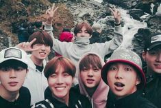 Okay here we have Taehyung the model, Yoongi wants to leave, Jungkook was forced by the person taking the picture. Obviously it must be Jimin taking the picture. And it seems poor Rapmon was cut out XD Jimin Jungkook, Vlive Bts, Bts Bangtan Boy, Bts Taehyung, Foto Bts, Yoonmin, Yolo, Wattpad, Bts Memes