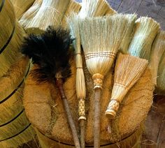 Spring Cleaning Brooms and Duster Set in your choice by BROOMCHICK In the multicolor! Straw Broom, Broom Corn, Organic Cleaning Products, Full House, Kind Words, Spring Cleaning, Cool Gifts, Clean House, Old Things