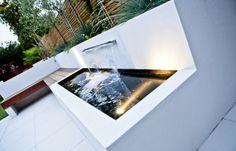 Kleingarten Beton Teich Wasserfall Koi Fische Beleuchtung LED