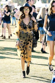 5 music festival outfits   Kayla's Five Things   Coachella outfits/ what to wear to coachella   summer festival outfits