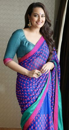 Top 10 Indian Bollywood Actress looking Hot in Saree Photos gallery. As Indian Bollywood celebrity images may Dream Girl for many India Boys Indian Actress Hot Pics, Indian Bollywood Actress, Beautiful Bollywood Actress, South Indian Actress, Indian Actresses, Beautiful Actresses, Actress Photos, Hollywood Actresses, Mode Bollywood