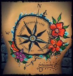 Compass bodypaint Airbrush, Compass, Tattoos, Dream Catcher, Body Art, Face, Face Paintings, Kids Makeup, Bodypainting