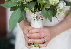 12 Ways to Honor Deceased Loved Ones at Your Wedding | Photo by: Kristin Sweeting | TheKnot.com