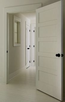I like the doors and the handles Shaker Interior Doors, Farmhouse Interior Doors, White Interior Doors, Shaker Doors, White Doors, Interior Trim, 2 Panel Interior Door, Interior Design, Interior Door Styles