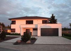 Example garage with course over the entrance and use of half the area on … - Haus Ideen Best Exterior House Paint, Exterior House Colors, Facade Design, Exterior Design, Farmhouse Renovation, Paint Colors For Home, House Goals, Entrance, New Homes