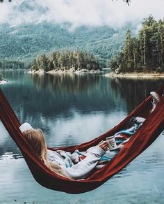 Travel Photos Photography Wanderlust Travel Destinations In The Us Camping Aesthetic, Travel Aesthetic, Pink Aesthetic, The Places Youll Go, Places To Go, Mountain Love, Lake Mountain, Camping Sauvage, Granola Girl