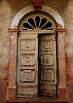 Old Italian Door In Asmara, Eritrea (by Eric Lafforgue)