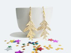 Leaves earrings on 53 Countesses: JEWELRY COLLECTION: nos disfrazamos de bosque ♥ we're all leafy over here