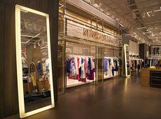 #store #retaildesign #retail #fashion #vakkorama #lighting #interiors #interiordesign #design #designideas #ideas #creative #lighting #love #beautiful #amazing #branding #brandidentity