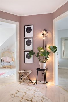 The renovation of a house in pastel colors - PLANETE DECO .- Die Renovierung eines Hauses in Pastellfarben – PLANETE DECO eine Wohnwelt – The renovation of a house in pastel colors – PLANETE DECO a living environment – colors - Decor Room, Bedroom Decor, Mauve Bedroom, Pink Bedroom Walls, Wall Decor, Bedroom Furniture, Pink Master Bedroom, 50s Bedroom, Beauty Room Decor