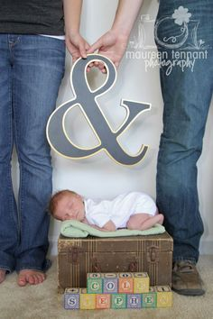 Newborn Photography & Vintage Prop Rentals  Suitcase from Finch Vintage Rentals in St. Louis (www.finchvintage.com)  Photo by Maureen Tennant Photography