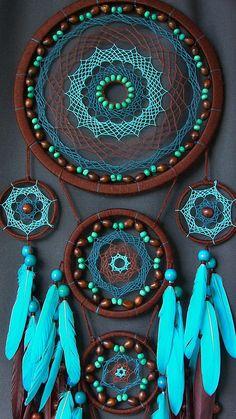 Traumfänger Dreamcatcher Dreamcatcher blau Boho-S. Dream Catcher Decor, Dream Catcher Nursery, Large Dream Catcher, Beautiful Dream Catchers, Indian Arts And Crafts, Boho Stil, Bohemian, Crochet Home Decor, American Indian Art