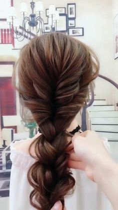 Very nice ear of wheat braided hairstyle Hairstyle is part of Braided hairstyles - Very nice ear of wheat braided hairstyle Video shows you how to tie a very nice ear of wheat braided Ponytail Hairstyles, Pretty Hairstyles, Wedding Hairstyles, Braided Ponytail, Hair Ponytail, Simple Hairstyles, Hairdos, Updo, Curly Hair Styles
