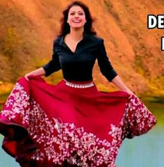 85d45ea2bf Kajol in Long Skirts in Gerua Song from Dilwale