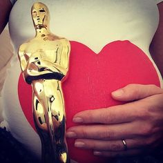 Pregnant Anne Hathaway Shows Off Her Baby Bump and Oscar on Instagram — See the Cute Pic!
