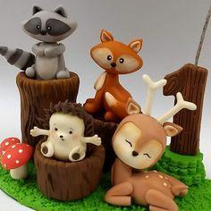 Polymer Clay Figures, Fondant Figures, Polymer Clay Crafts, Fondant Toppers, Fondant Cakes, Cupcake Toppers, Woodland Cake, Fondant Animals, Cute Clay