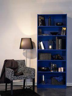 L'étagère Billy d'Ikea relookée avec de la couleur - Relooker un vieux meuble avec de la peinture - CôtéMaison.fr