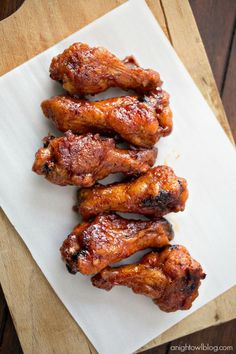 These Crispy Baked Honey BBQ Wings are easy to make and perfect for game day! See afore mentioned bbq sauce. Honey Bbq Chicken Wings, Frozen Chicken Wings, Crispy Baked Chicken Wings, Honey Wings, Crispy Oven Wings, Oven Baked Wings, Crockpot Chicken Wings, Spicy Wings, Fried Chicken