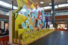 Decoración de escenario para Centro Comercial Thader producido por Cartonlab. Stage decoration for shopping centre produced by Cartonlab.