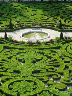 Het Loo Gardens from above by Historic Royal Palaces - Learning, via Flickr