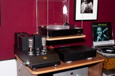 Audiophile Dreams: suspended turntable, tube amp, nice.