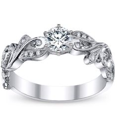 "THIS IS MY FUTURE WEDDING RING. For those who love me, you will remember this post when ""he"", whoever ""he"" is, wants to propose.  <3"